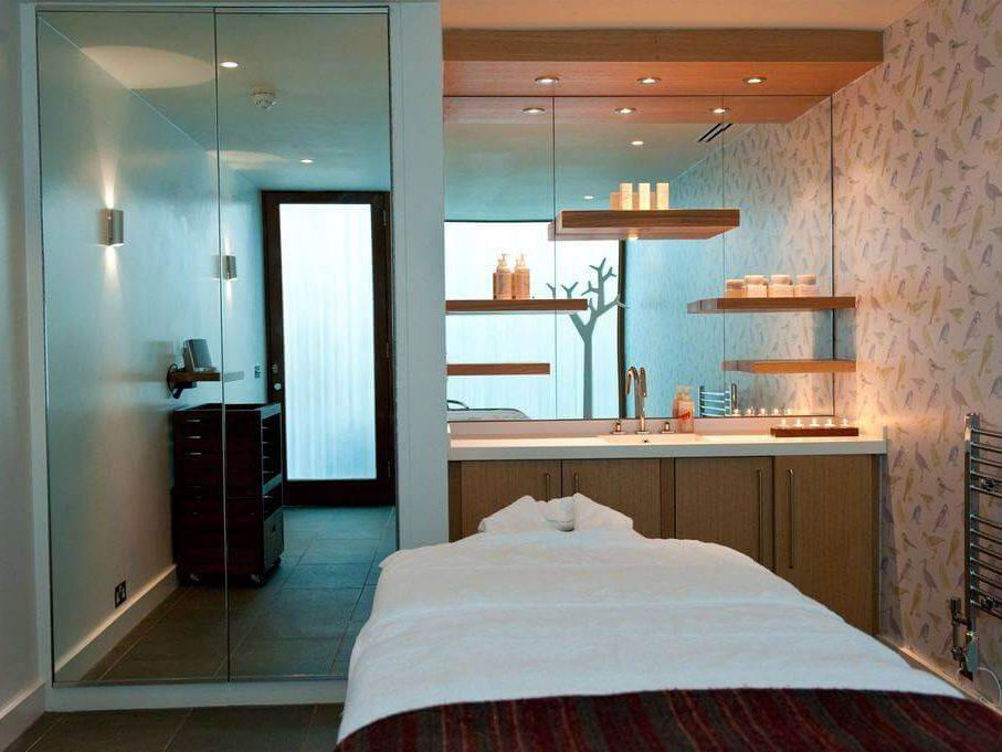 Cowley Manor Spa - Treatment Room