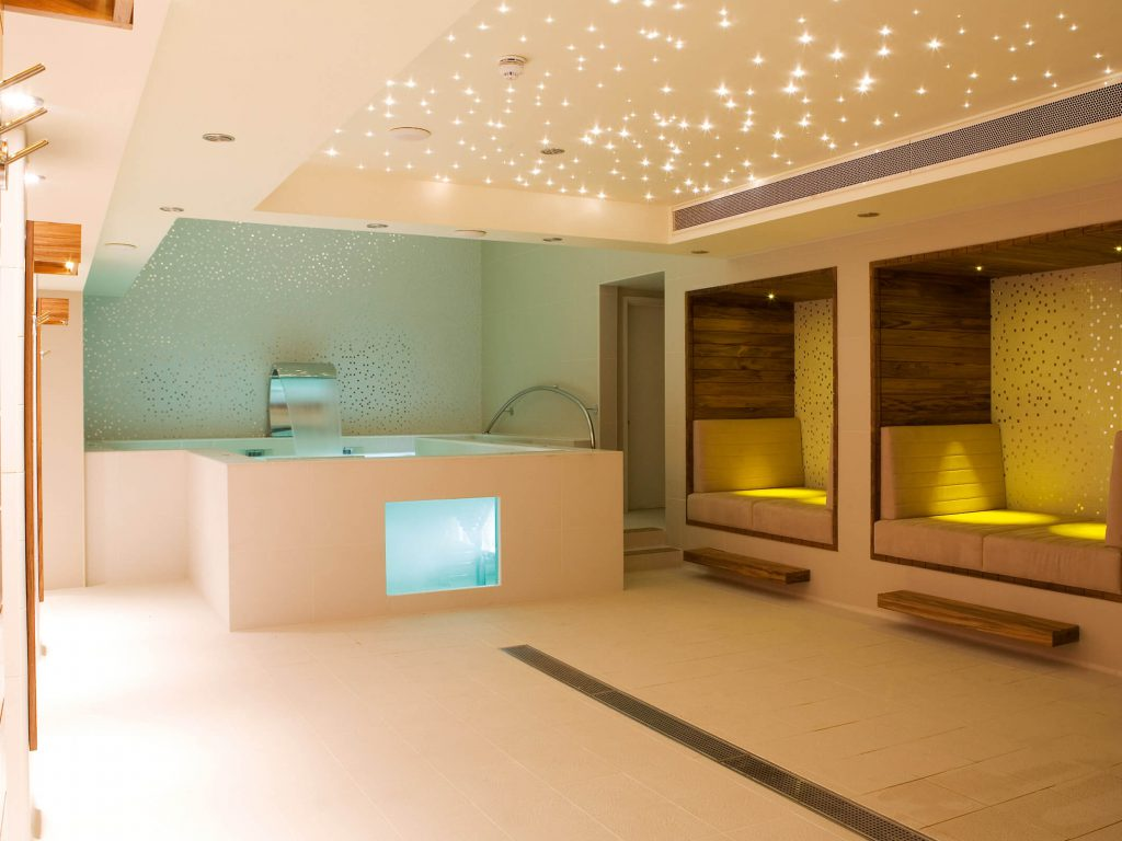 K West Spa - Hydrotherapy Pool