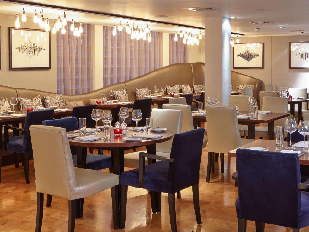 K West Spa Hotel - Studio Kitchen Dining